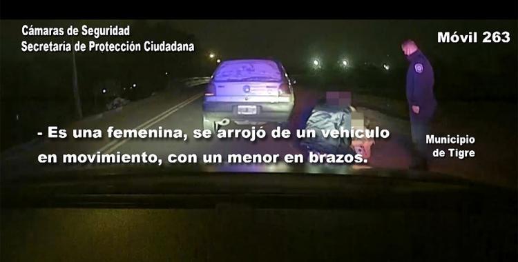 VIDEO Una mujer se arrojó de un automóvil con sus hijos en brazos para escapar de su ex   El Diario 24